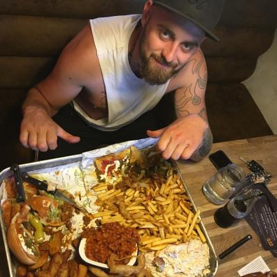 Scott Mckee Failed The Ultimate Challenge Burger